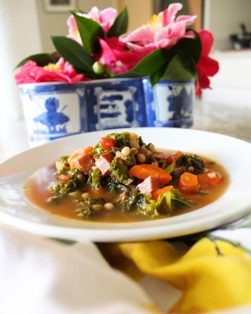 Kale, black-eyed peas, and ham soup